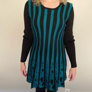 NEW Papillon long sleeved turquoise and black knit sweater dress size small